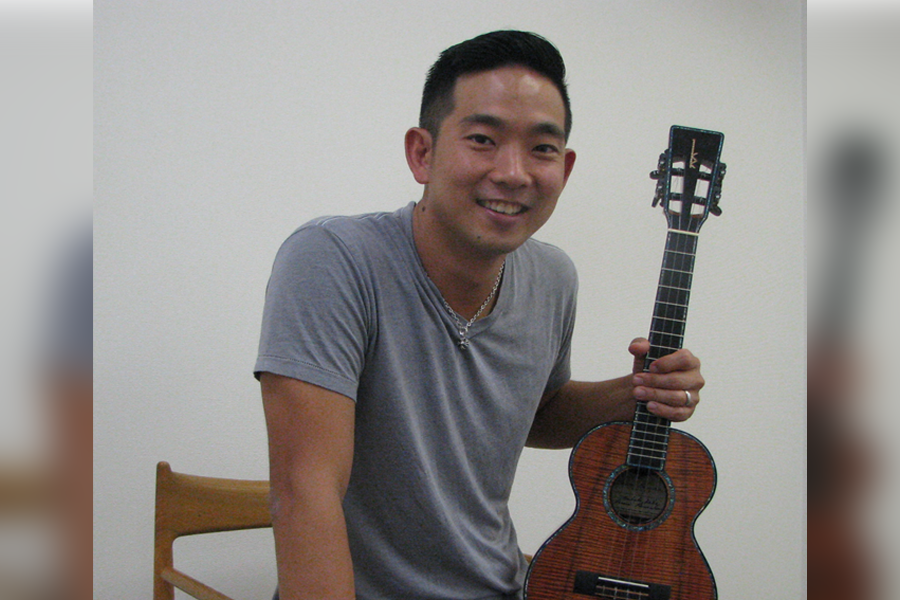 Jake Shimabukuro. (Kyodo photo)