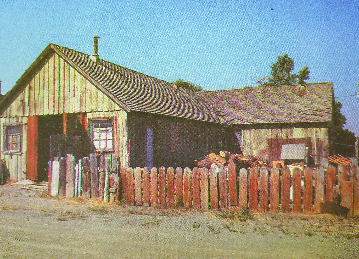 Photo of Leroy and Dorothy Brown's old barracks home in Newell.