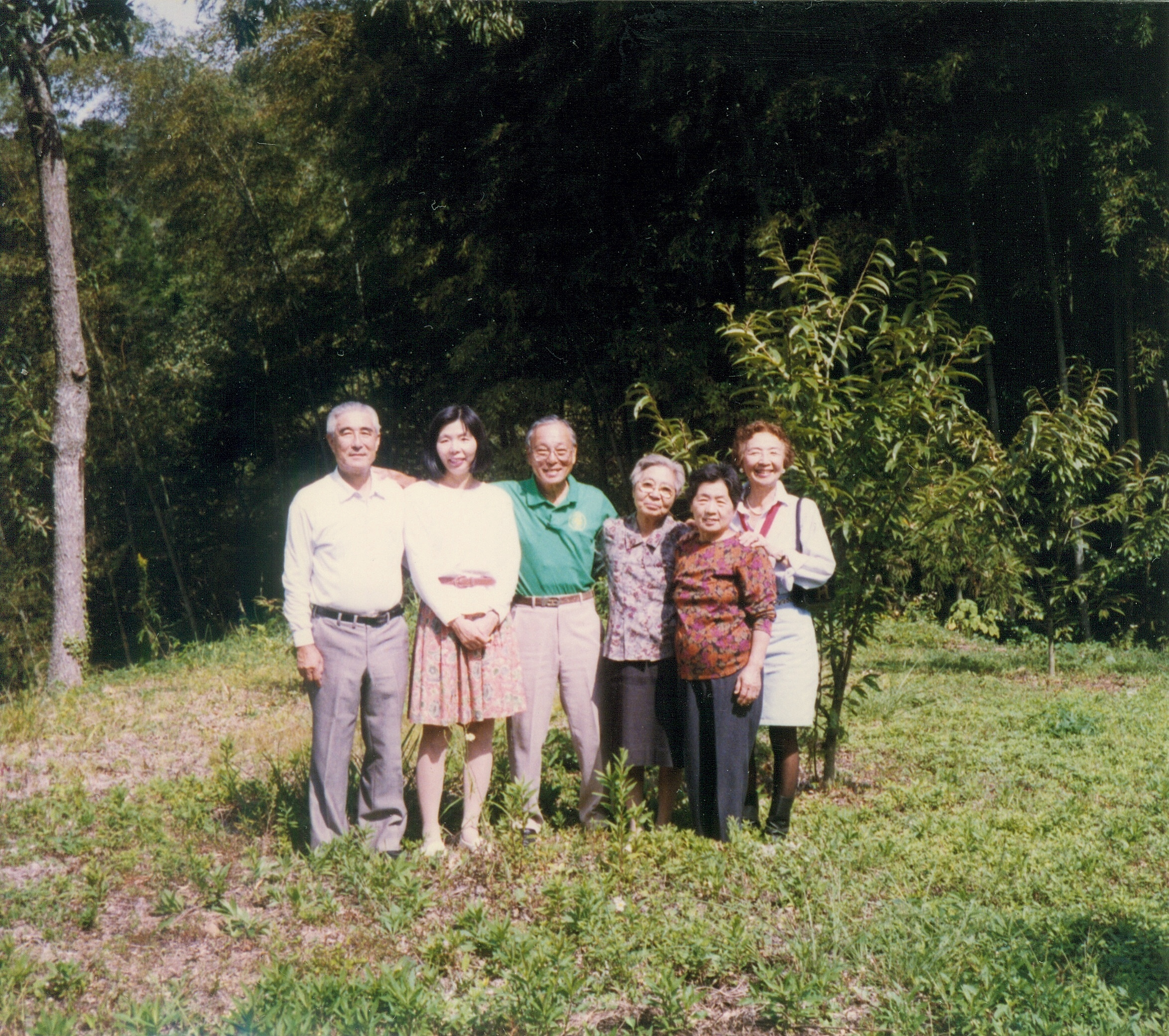 Group photo (from left): of Aketo Honda, Kazuko Sakai, Sadao Honda, Shizuko Sakai, Kozue Honda and Jean Honda at the Honda family estate.
