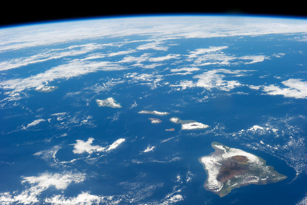 Satellite shot of the Hawaiian Island Chain from space (Courtesy: USGS)