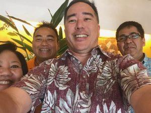 A gathering of friends at the Hotel Sun Palace Kyuyoukan: (from left) Regina Yoshimori and Tom Yamamoto from Hawai'i, columnist Colin Sewake and Yoshikazu Matsubara from Tomari Senior High School in Naha.