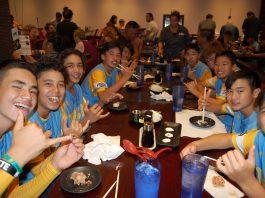 Group photo of 2018 Little League World Champions eating at Agu Ramen