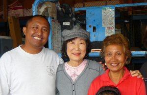 Frances Kakugawa with her former Pähoa neighbors Gilbert Aguinaldo and his mother, Gloria Aguinaldo. (Photo courtesy Frances Kakugawa)