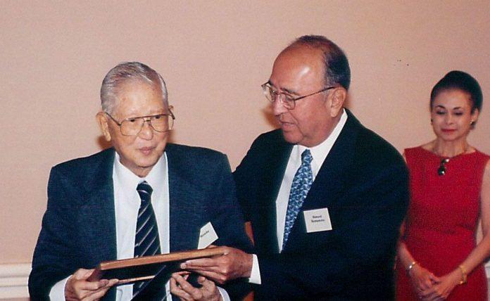 eb97b3c6431 The Crown Prince Akihito Scholarship Foundation co-founder and president  Ralph Honda (left)