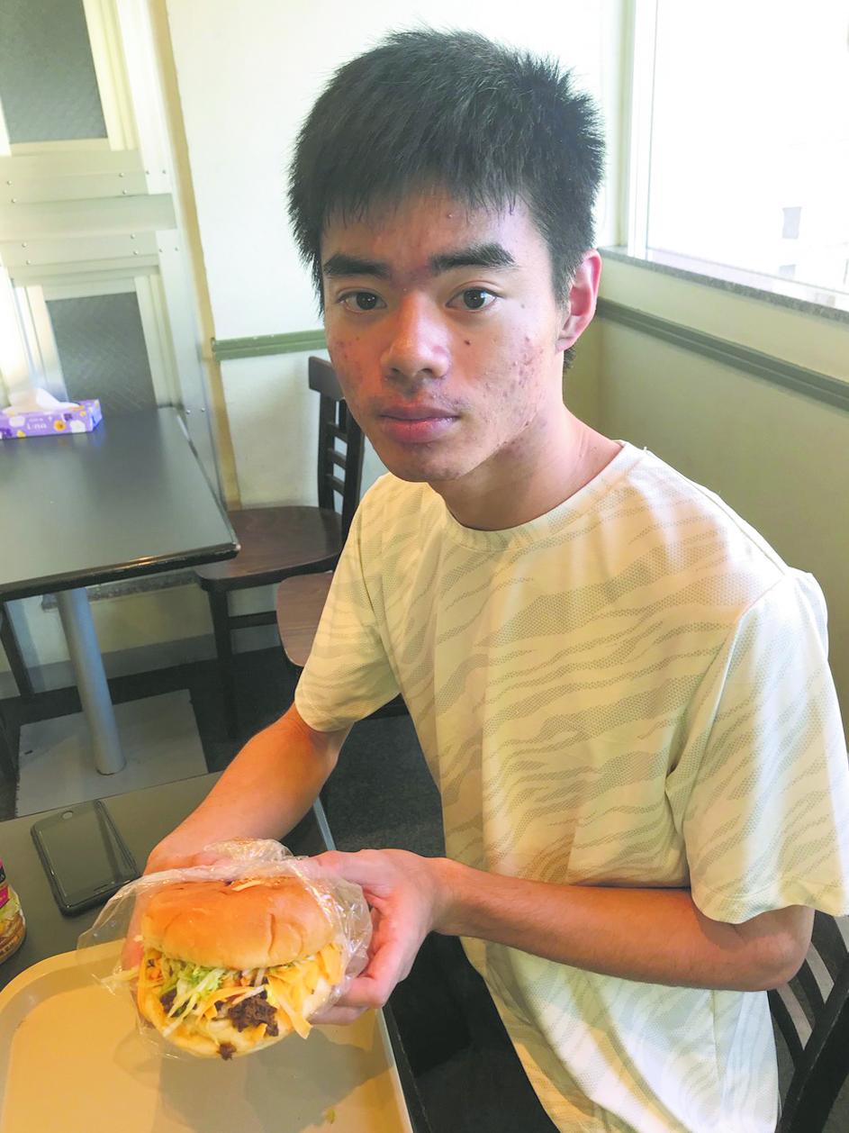 Son Aki's Taco Cheeseburger from King Tacos.