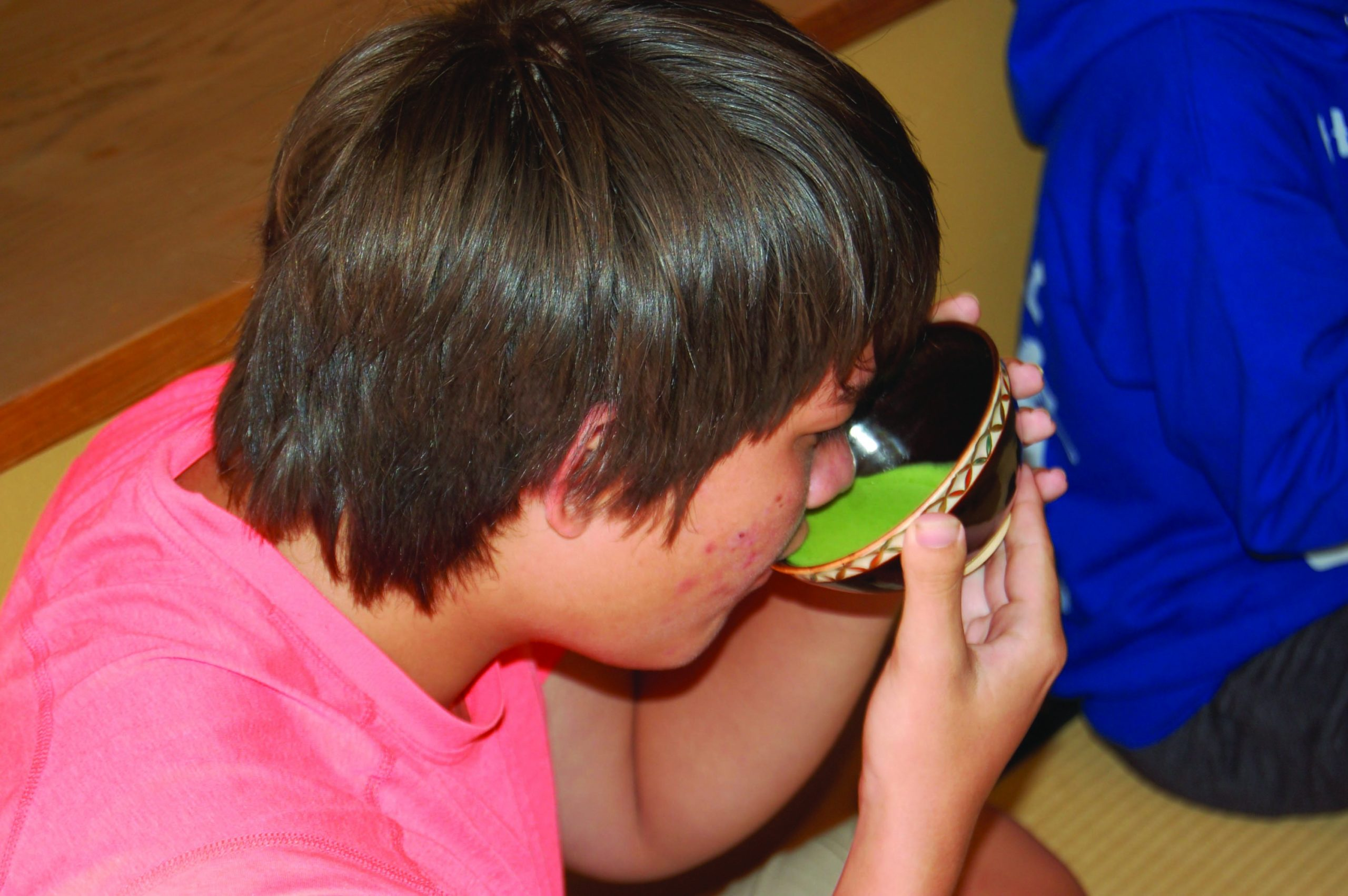 The Urasenke Foundation Hawaii introduced the students to the tradition and etiquette of tea ceremony. Jacob Jerome of Maui Preparatory Academy learned how to properly hold a teacup and sip green tea.
