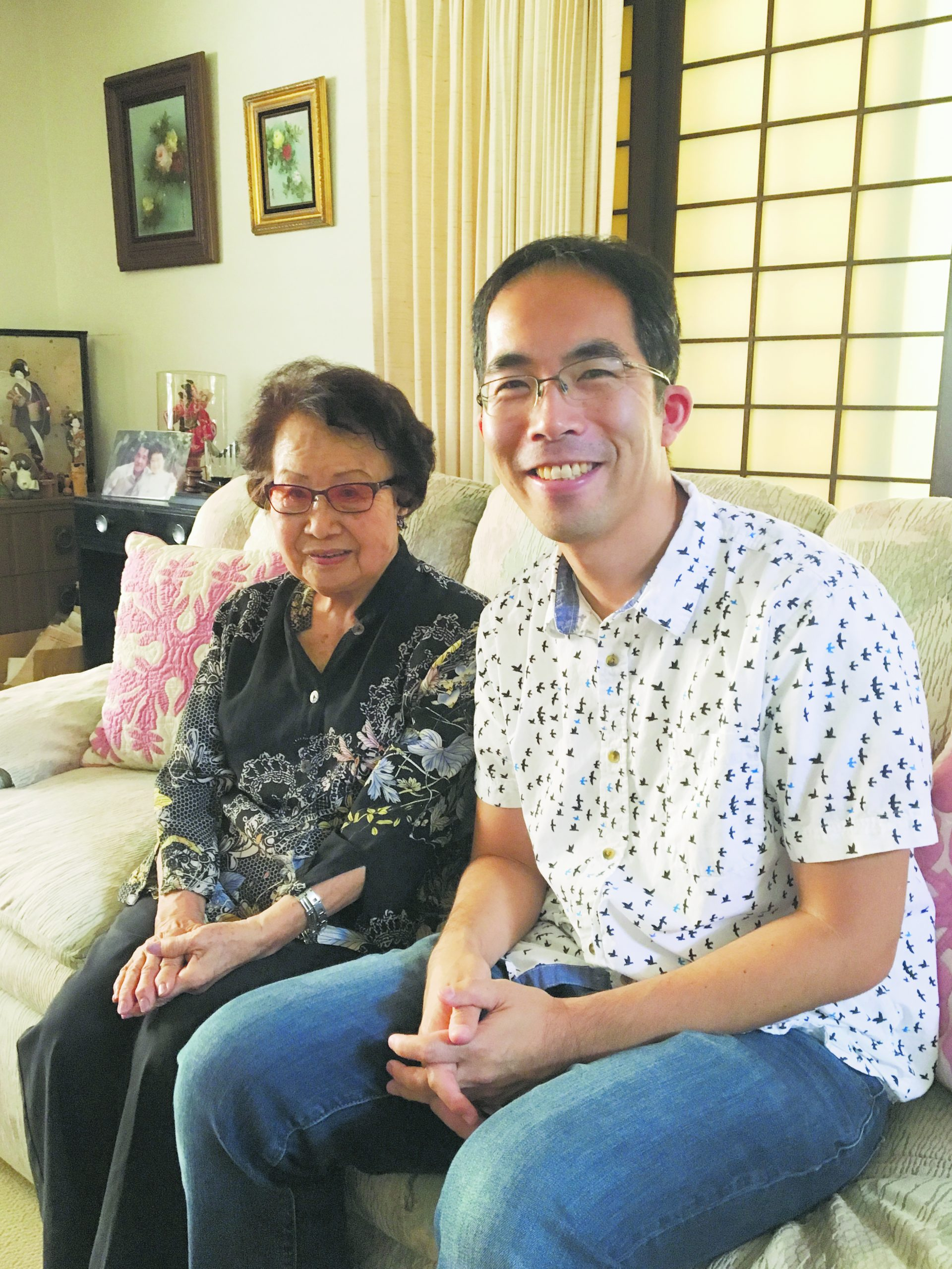 "Composer Takuma Itoh visits with ""Picture Bride Stories"" author Barbara Kawakami at her home. (Photo courtesy Takuma Itoh)"