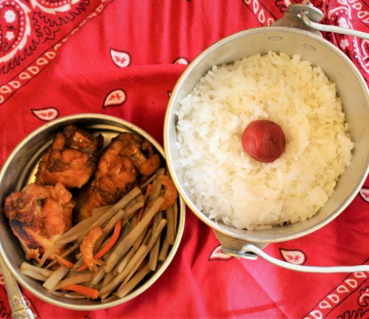 Dan Nakasone reproduced his favorite field dinner, which his mom cooked for him and packed in his kaukau tin before sending her young son off to work. The meal included fried chicken, kinpira gobo and white rice topped with a big, red ume in the midde.