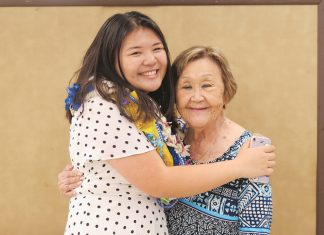 Gosei Kacie Yamamoto with her sansei grandmother, Doreen Yamamoto. (Photo courtesy Kacie Yamamoto)
