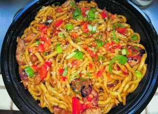 Mega garlic noodles from Gyu-Kaku Japanese BBQ at Windward Mall. (Photos by Ryan Tatsumoto)